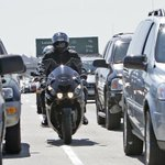 The lane-splitting bill has momentum after Assembly passed it 58-14. Next up, Senate vote http://t.co/cNFsiDuE0s http://t.co/9cjxGEXCwZ
