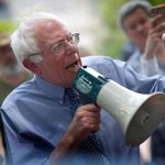 """.@SenSanders: """"If a bank is too big to fail, it is too big to exist!"""" http://t.co/JOogVUV8Oy 