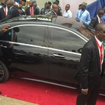 The car carrying #Nigerias new President @MBuhari leaving his inauguration ceremony. http://t.co/fbZ7sIX8xm