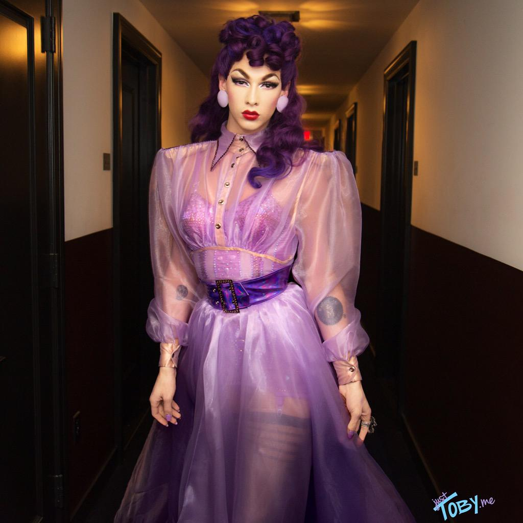 @VioletChachki I'm so happy and proud of u condragulations for winning S7 of @RuPaulsDragRace  @JustTobyMe #mug4dayz http://t.co/Aap4Zw7njo