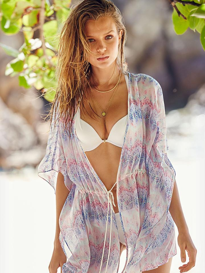 Cover-ups made for showing off. #OwnTheSummer http://t.co/UQUelXRQg5 http://t.co/7NVtOq5Q4b