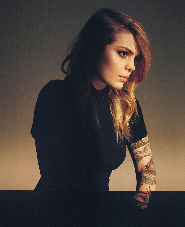 ANNOUNCING: Canadian singer-songwriter @beatricepirate on October 25. On sale Friday at 10 am. http://t.co/v29dbA9WDp http://t.co/xxUTG7npKE