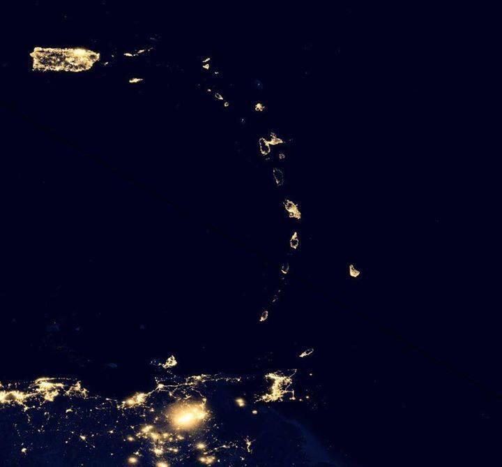 L'arc Antillais vu du ciel la nuit comme vous ne l'avez peut-être jamais vu ! #Guadeloupe #Martinique http://t.co/1CAhrTepAO