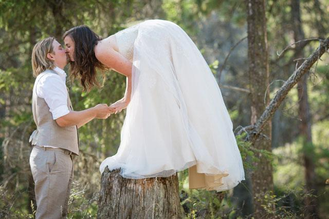 Rustic Eco Backyard Wedding by JMY Photography | Artfully Wed Wedding Blog http://t.co/LITwEQrjVs http://t.co/HWt0ZwPJvz