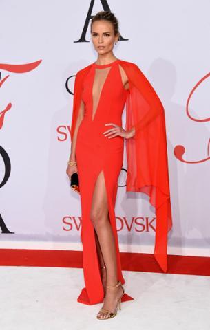 Vestido rojo fiesta complementos