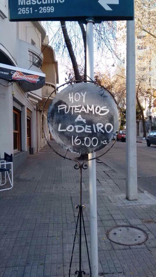 @noseasmalotv las cosas que veo por Montevideo http://t.co/T93gTDrkof