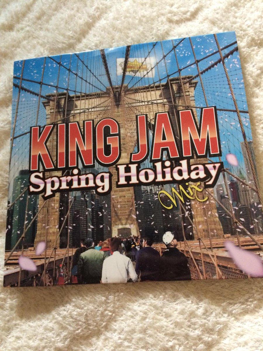 大好きな曲多めでGOOD‼️KING JAMの色めちゃ出てます!ありがとうございます♪#kingjam#MIXCD#大阪#NY http://t.co/837ITlxgzO