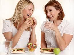 4 Kesalahan Fatal Pada Saat Mengkonsumsi Makanan Dan Minuman - AnekaNews.net