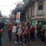 Agricultores estão saindo da Santo Antônio. Cristóvão bloqueada. Garibaldi, Farrapos, Mauá, Borges.#gauchalider http://t.co/vI7bqz11CG