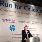 #Mainz #Schott AG Chef Heinricht übergibt 201000 Euro Spenden aus Run for Children an 28 Kinderhilfs-Organisation http://t.co/BpqdlenkOn