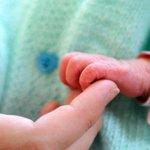 VIH : Cuba parvient à supprimer la transmission du virus de la mère à lenfant http://t.co/4lzKj6TNyr http://t.co/QydJLHFMU6