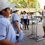 Hoy estuve muy a gusto con los niños de la Primaria Ulises Sansores, les entregamos premios y reconocimientos. http://t.co/bYieoOm9y8
