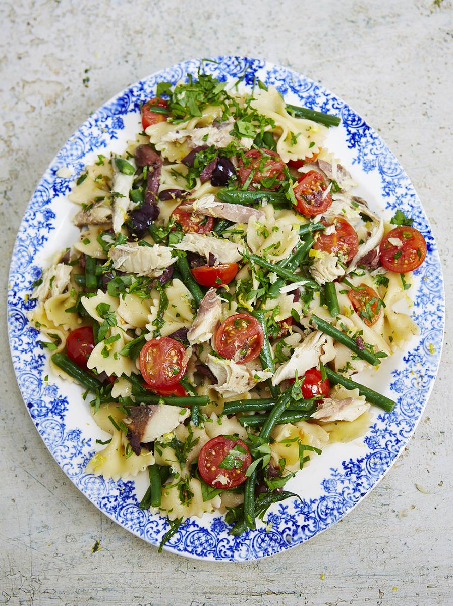 #Recipeoftheday is a lovely mackerel pasta salad. Colourful, delicious and good for you! http://t.co/VkC15YrZp4 http://t.co/Ttwre6zm9I
