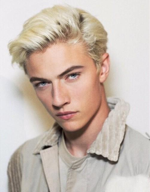 Love!! #TheLook for @BottegaVeneta @tomasmaier #SS16 with @luckybsmith #MakeupByPatMcGrath #Backstage #MFW #Menswear http://t.co/2BVW5mrc71