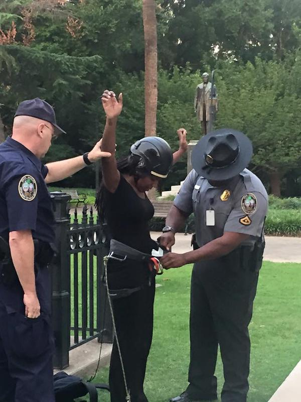 Two arrested for removing Confederate flag from South Carolina Statehouse http://t.co/06nZM5DDdf
