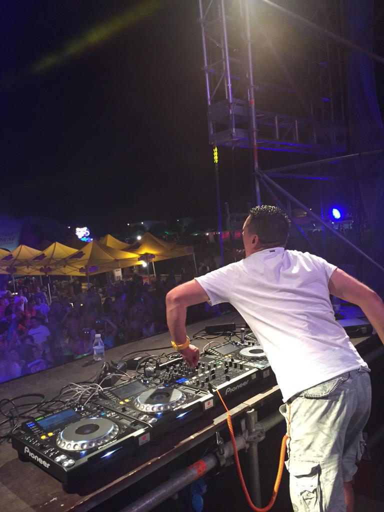 Wilde gullie bas?! #4every1festival @2M_Group http://t.co/VaoO80FCBa