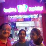 @narendramodi @narendramodi #SelfieWithDaughter enjoying ice-cream with my daughters. http://t.co/tJkHm7JkSz