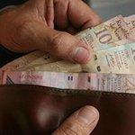 Este miércoles entrará en vigor aumento del 10% del salario mínimo venezolano http://t.co/4eei7Hb6Up http://t.co/zYSGEfSQiw