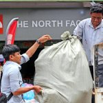Copyright infringement in #Cambodia: a North Face ripoff store busted in Siem Reap http://t.co/NVY8CbLSc8 http://t.co/bKHhWiU8JU