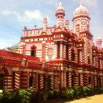 Kisah Masjid Merah Putih di Colombo, Sri Lanka http://t.co/r52XJRakB4 via @detiktravel http://t.co/NmzWezh1Ux