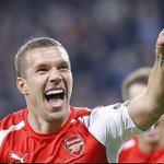 "Podolski on Arsenal: ""Please know my heart always holds a place for you. Ive loved every minute playing for Arsenal"" http://t.co/gNMKW9Zimq"