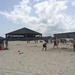 16 teams battling on the beach at Tybee! Its a hot one out here. #Spikeball #savannah #Tybee #beach #MericaDay http://t.co/jcHB6mkhxU