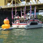 Thats not what they meant by duck boat. Go Merica. #odd #Sacramento http://t.co/nvMghhk4te http://t.co/KWX7lynis2