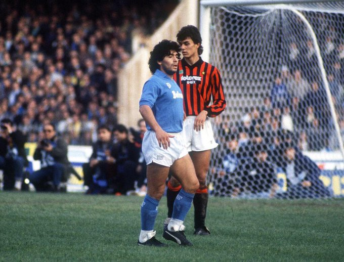 Foto increíble de un joven Paolo Maldini marcando a Diego Maradona http://t.co/M7JoZp8g1J