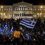 「『ノー』というメッセージは、欧州や国内からの圧力をわれわれが恐れていないことを示すものだ」と語る市民も ──アテネで数千人が緊縮策拒否に歓喜、「欧州の圧力恐れない」 http://t.co/LR9QbXM305 http://t.co/WAmLswbQtx