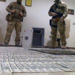 Порошенко лично приказал не останавливать антикоррупционную операцию Сакварелидзе, — Саак ... http://t.co/IqfVFs4p28 http://t.co/k7t67CmoYj