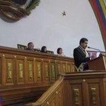 Excelente Presidente @NicolasMaduro en la Asamblea Nacional #ElEsequiboEsNuestro #VzlaApuestaPorLaPaz http://t.co/rotTUFt1GM