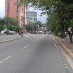 #7Jl SITUACIÓN IRREGULAR GENERADA POR LA GNB EN EL PUNTO DE INSCRIPCIÓN DEL CNE PASEO LA GRANJA #Naguanagua Valencia http://t.co/A3I2jHT5XP