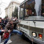 Николаевский сепаратист сядет на 5 лет за участие в беспорядках возле ХОГА. #Харьков #Харків http://t.co/DhqYd9I2Rf