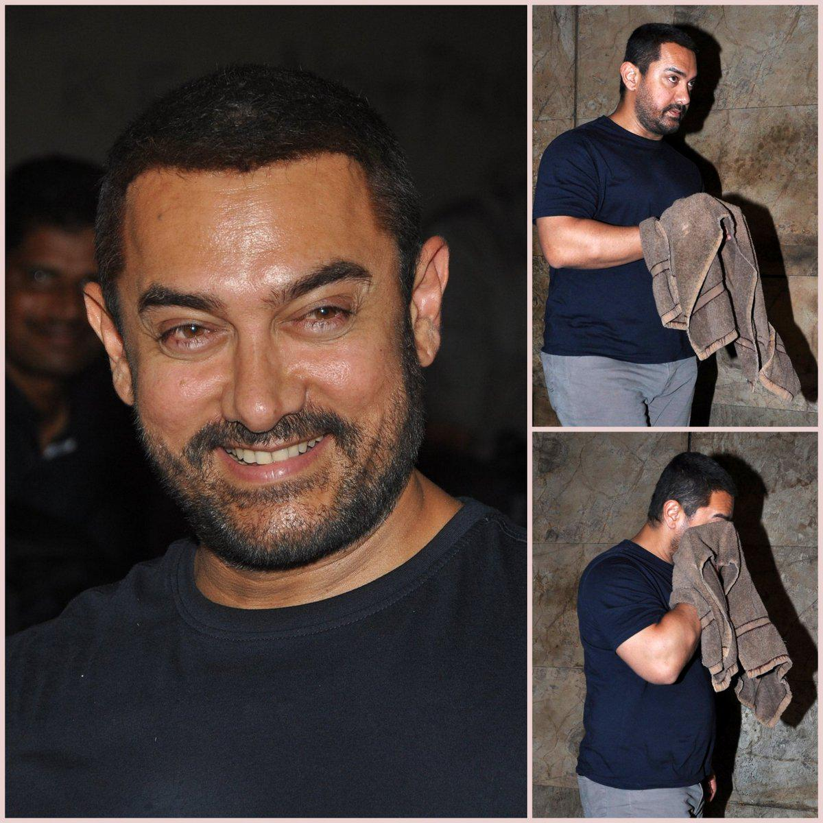 When a superstar cried after watching Bajrangi Bhaijaan ... A very emotional #AamirKhan #MasterpieceBajrangiBhaijaan http://t.co/sTGgVOMvkK