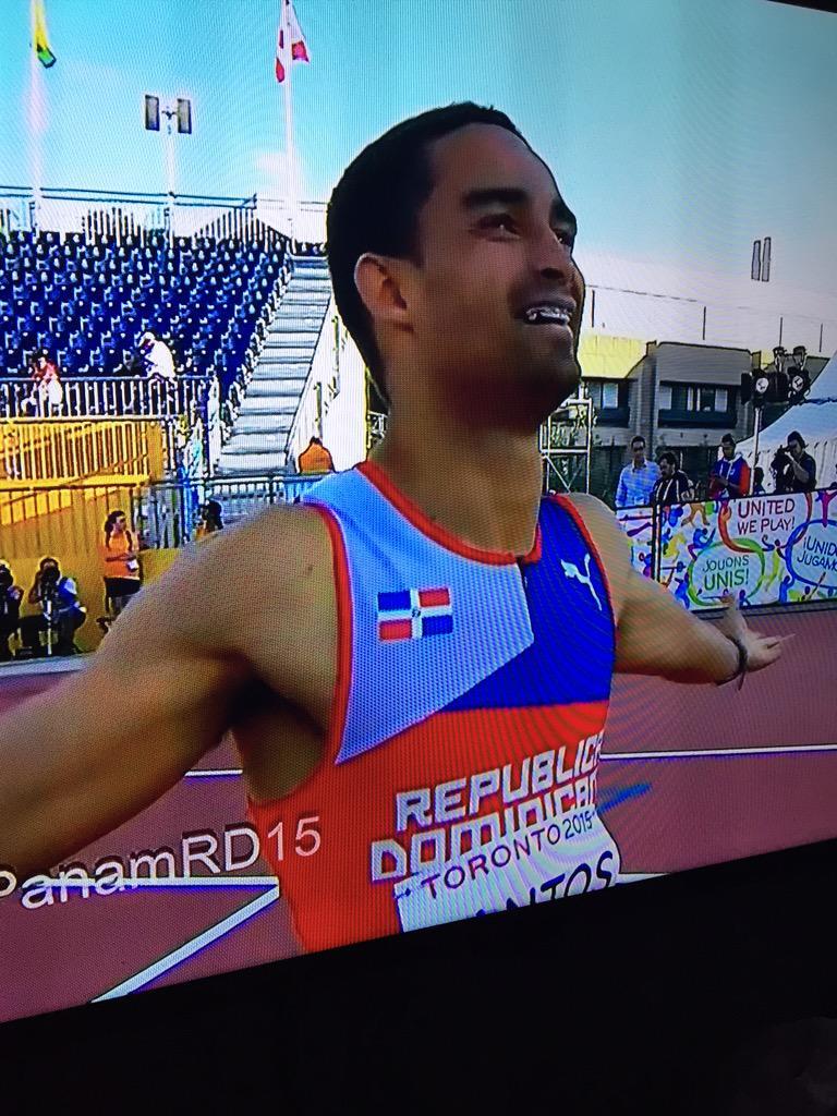 MEDALLA DE ORO para Luguelín Santos ¡Orgullo Dominicano! http://t.co/qsPYjkIc5e