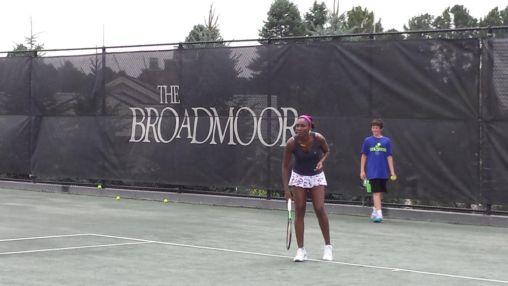 A special THANK YOU to @Venuseswilliams for visiting @TheBroadmoor #tennis and sharing her #FleurDuMonde collection! http://t.co/y1wLEfpK3Q