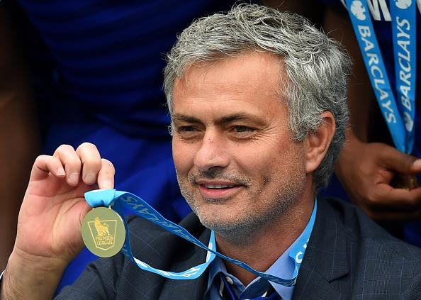 """Wenger on Mourinho: """"When you give success to stupid people, it makes them more stupid sometimes.""""  Mourinho...... http://t.co/4oMYs37kCV"""
