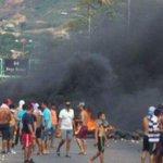 ¡URGENTE! #29JL Paramilitares Colombianos atacan a Tiros a La #GNB /Puente SB/Frontera 1Paraco Muerto @NicolasMaduro http://t.co/k2eXD19XWM