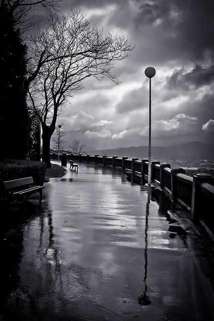 Black & white. Reflections ~ photographer Lui G. Marín http://t.co/idb3jUDXbt