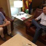 Reunión entre el Decano del @ICAElche , @vpascual2012 , y el Alcalde del @AytoElche . Estado de la Justicia en Elche http://t.co/YbJ6RGs53H