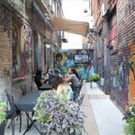 The top 5 alleyway patios in #Toronto http://t.co/lNzCsulZRK http://t.co/uJ4XPSwnob