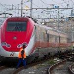Nubifragio Firenze,cè un disperso - Almeno tre ore per ripristinare i treni #firenze http://t.co/mU7ahyFxgG http://t.co/7vVkMWVczs