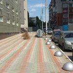 Сдался! 31 июля, Предмостова площадь: мужик несет выкидывать елку)) #Саратов http://t.co/yFs5uoHVxr
