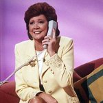 TV presenter and singer Cilla Black dies, aged 72 http://t.co/DAfvKsPl9n http://t.co/GBDbnCOffw