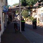 De nieuwe Julianabrug in Alphen is naar beneden gestort. Bizar ongeval in Alphen. #Hooftstraat http://t.co/Bzvv3Hi0uk