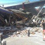 Alles over de omgevallen kranen in #Alphen lees je in ons liveblog.   http://t.co/VzbowZUpy6 http://t.co/fGRwmf0XA8