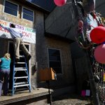 "Widely celebrated ""Up"" house in Ballard needs a lift to Orcas Island: http://t.co/cmEf87otmD http://t.co/Vx1ZtqDEfG"