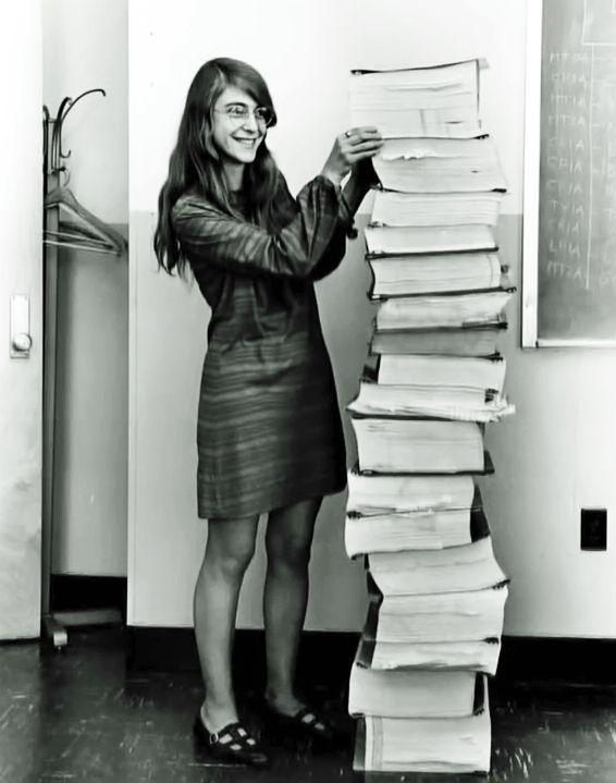 Margaret Hamilton, the badass programmer who saved moon landing http://t.co/nMHcyT8WUr, another #ILookLikeAnEngineer http://t.co/mTJqqU90mF