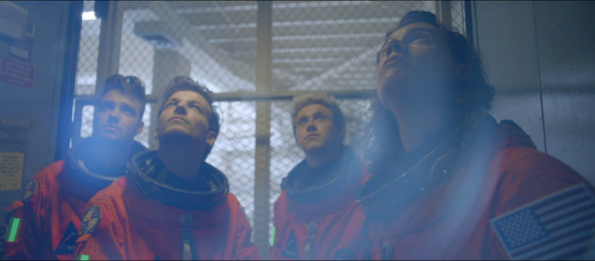 """With @onedirection aboard our #JourneyToMars for @NASA, """"Nobody Can Drag Us Down!"""" #DragMeDownMusicVideo #1D http://t.co/d2SgW5vJBE"""