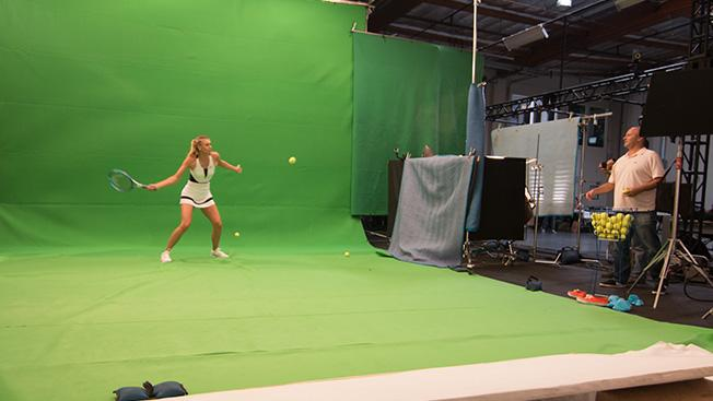 RT @Adweek: You can play tennis against @MariaSharapova at this year's #usopen: http://t.co/TUHqLq6Ezu http://t.co/KycD2TboDw